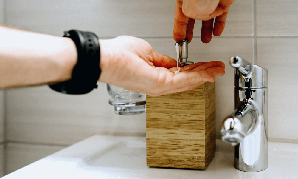 HAND WASH FOR A THOROUGH CLEANING OF YOUR NINJA BLENDER